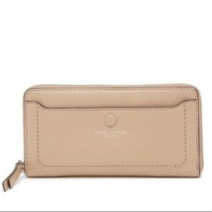 NWOT Marc Jacobs empire city leather wallet
